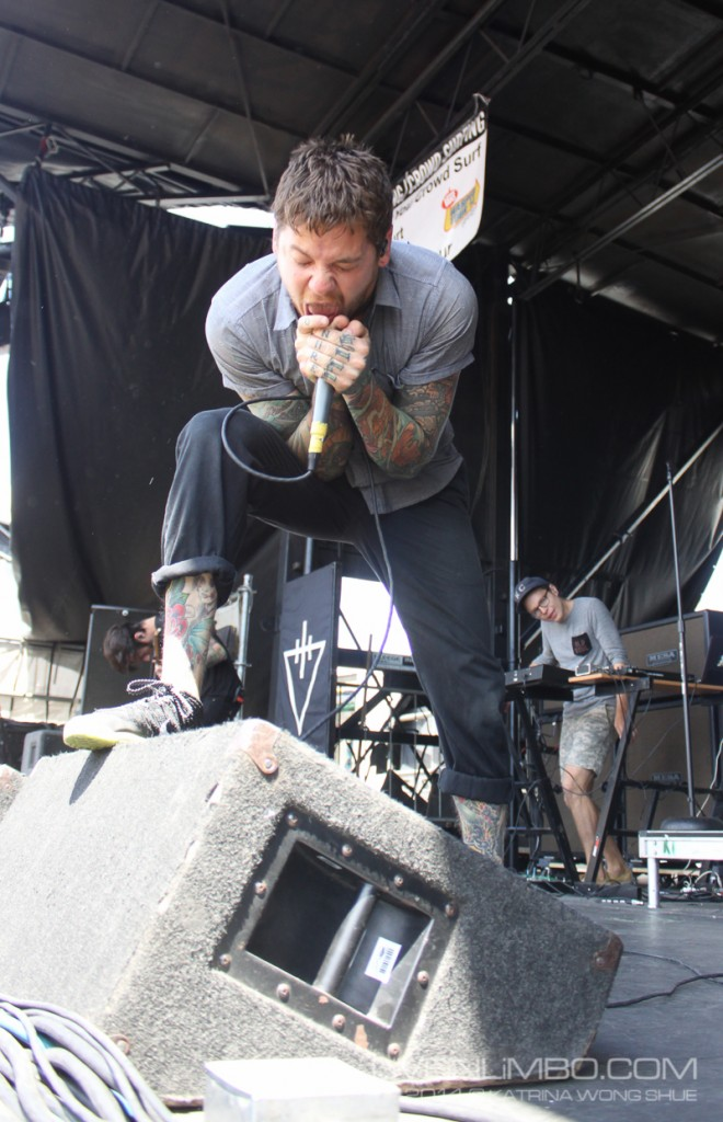 warped tour the maine we are the in crowd devil wears